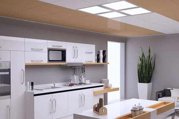 厨房顶灯的拆法