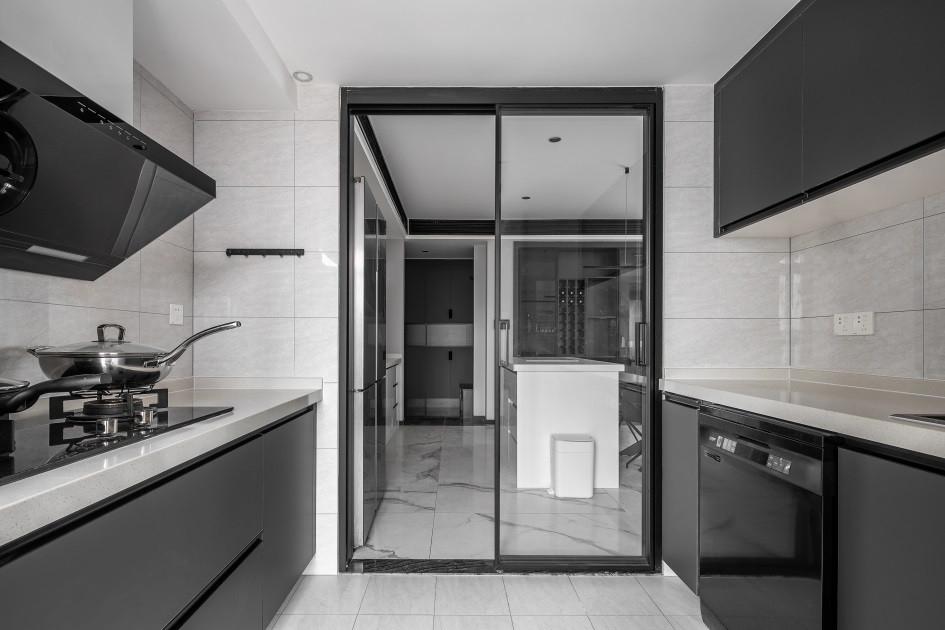 厨房玻璃门装修