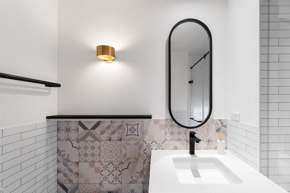 卫生间墙砖怎么贴