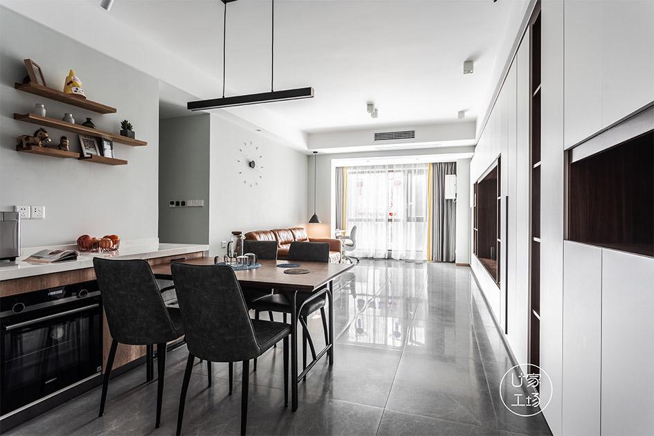 客厅装修用地板还是瓷砖
