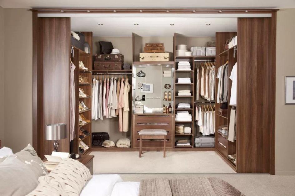 卧室衣柜格局